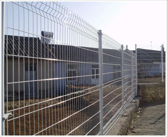 <b>电焊网小区护栏</b>