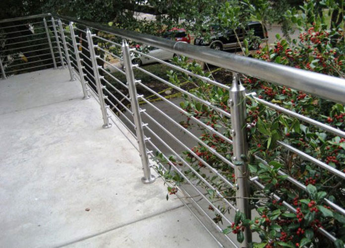 <b>不锈钢护栏</b>